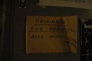 Døren til maskinrommet. Foto: Linn Seime Pettersen